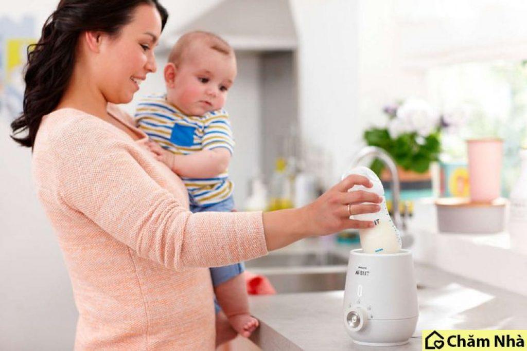 Máy hâm sữa khi hoạt động các mẹ sẽ không phải mất thời gian để đun lại sữa