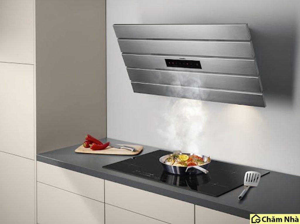 Máy hút mùi áp tường là loại máy hút khử mùi có dạng treo lên tường thiết kế độc đáo, tinh tế